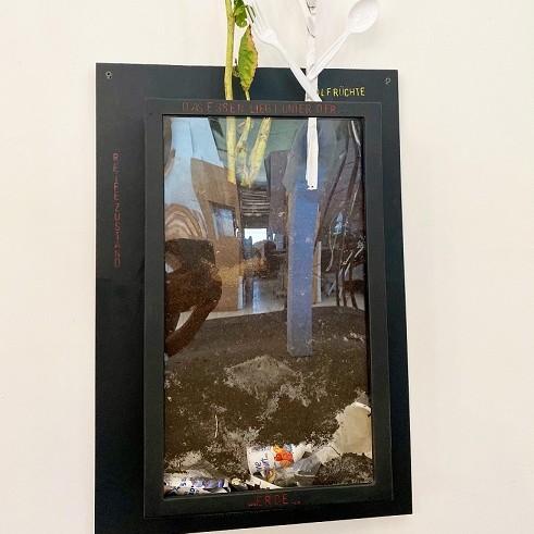 Kunstwettbewerb - Beitrag_Hartmut Richard Schröger_Blechbehälter mit Fenster